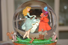Snowglobe Art of Aurora (MissLilieDolly) Tags: sleeping art beauty rose la flora au dream evil disney collection aurora daisy belle once dolly samson dame miss philippe paquerette briar lilie upon bois snowglobe pimprenelle aurore dormant the malfique missliliedolly
