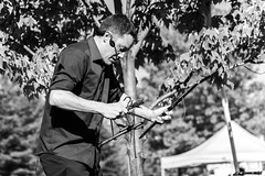 Buskerfest 2016 - Day 4 (afternoon) (MorboKat) Tags: monochrome toronto woodbinepark buskerfest busker busking streetperformer performer marionette puppet puppetry silverstringspuppetry