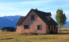 Old Pink House, Mormon Row - Grand Teton National Park, Wyoming (danjdavis) Tags: mormonrow grandtetonsnationalpark nationalpark oldhouse historichouse wyoming pinkhouse grandtetons rockymountains mountains grassland