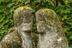 Pomnik z Betonu (Studio Fotz) Tags: jesie warszawa park azienki pomnik rzeba