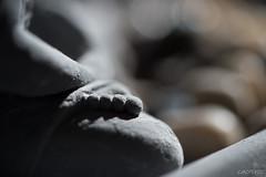 Buddha's foot (LACPIXEL) Tags: macro macromondays backlit rtroclairage contrejour buddha bouddha pied foot pie statue estatua couleurs colores colours inside intrieur lumirenaturelle luznatural naturallight tamron nikon nikonfrance flickr lacpixel d4s
