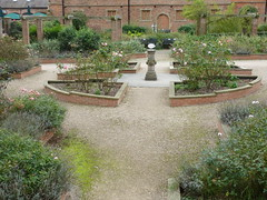 Garden at Rufford Abbey (Ivan) Tags: rufford abbey garden park english heritage