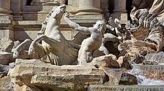All roads lead to Rome ! (Ciceruacchio) Tags: trevi fountain fontana fontaine triton sculpture scultura bracci architecture architettura baroque barocco rome roma italia italy italie italien nikon