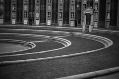 Regarder la ville IV : Noisy le Grand. (stephane.desire) Tags: jardin seinesaintdenis rgionparisienne 93 noisylegrand immeuble logement architecture ville ricardobofill graphique