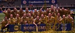 DSC_1588 lagbilde LSK Kvinner jubel (karlsenfoto) Tags: cupfinale kvinner lsk ra 19112016 telenor arena