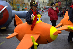 Pilot (swong95765) Tags: plane parade woman costume fun pilot lady goggles flying