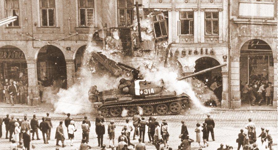 Советские танки в Праге, 1968
