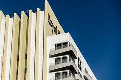 Miami Beach (Edi Bähler) Tags: sky usa building facade unitedstates florida perspective himmel structure highrise miamibeach bauwerk ferien gebäude perspektive fassade hochhaus beschriftung 28300mmf3556 nikond800