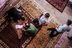 2013-10-10 111 (Mad.Roodgoli) Tags: street canon carpet iran streetphotography rug bazaar mad tehran bazar teheran basar teppich strasenszene roodgoli madroodgoli