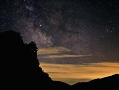 ciel de majastres (1300m) et pl du var . (Jo 0405) Tags: alpes lune soleil nightscape astro telescope galaxies iss toiles montagnes milkyway observatoire astronomie voielacte clipse astrophotographie amas nbuleuses venuse 1000d montchiran paysagesnocturne