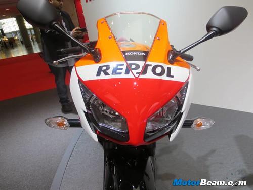 2014-Honda-CBR250R-10
