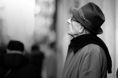 Looking high (guido.masi) Tags: winter blackandwhite bw men hat canon eos florence streetphotography firenze biancoenero 550d tamron70200f28 guidomasi guidomasicarbonmadecom