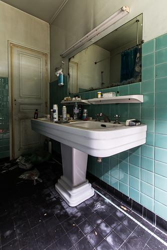 {Urbex} Villa de l'ambassadeur - La Salle de bain