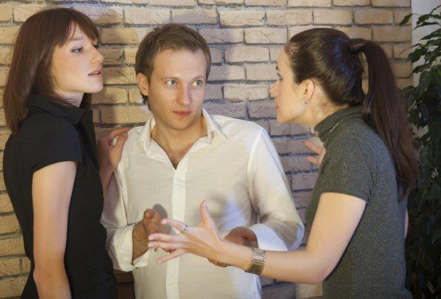 Khổ vì tin vào tình yêu của đàn ông (3): Bỏ vợ trí thức, yêu gái mại dâm