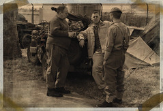 Debriefing (ericbaygon) Tags: militaire military soldat soldier jeep d300s nikon nikonpassion monochrome vintage sepia vieilli army arme uniforme