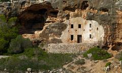Cave house (Geminiature Nature+Landscape Photography Mallorca) Tags: cave grot cueva viviendo house woning mallorca coast kust costa