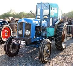 4384 DG (Nivek.Old.Gold) Tags: 1963 fordson super major tractor cheffins