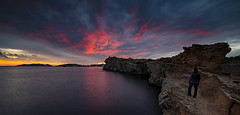 September ends (ql uOs) Tags: ibiza baleares mediterraneo mar sea nubes cluds atardecer sunset cielo sky acantilado cliff person human persona daltvila septiembre september seascape nikon d750 fx ff