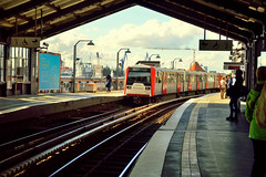 Hamburg,Baumwall (Germany) (jens_helmecke) Tags: ubahn train bahnhof hamburg stadt hansestadt city nikon jens helmecke deutschland germany