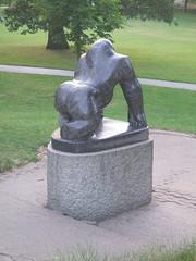 Gorilla 2 (D. S. Hałas) Tags: halas hałas unitedkingdomofgreatbritainandnorthernireland unitedkingdom uk greatbritain england surrey london bromley crystalpalacepark gorilla statue sculpture guythegorilla davidwynne westerngorilla
