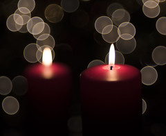 Red candles (WilliamND4) Tags: meyeroptikgoerlitztrioplanf28100lens candle flame bokeh nikond810