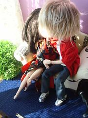 Kira & James kiss  32 (Lunalila1) Tags: fur james outfit kiss track handmade iii wig taylor yukata groove kimono pullip kira 19 kuro gyro quimono taeyang stica balastegui