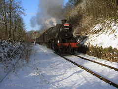 Santa Special - Severn Valley Railway (Philip Moore Photography) Tags: snow steam worcestershire steamtrain svr severnvalleyrailway bewdley 42968