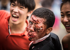 0P9A5400 (ericwcyim) Tags: art vancouver gallery zombie walk undead robson canonef70200mmf28lusm canonef70200mmf40lusm 2013 canonef50mmf12lusm canoneos5dmarkiii plantsvszombies