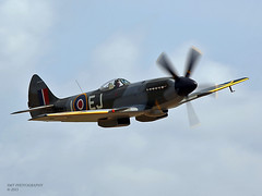 spit-xiv-1a (Stewart Taylor (SMT Photography)) Tags: history photography design flying photo fighter power aircraft aviation air wwii flight historic airshow piston photographs merlin duxford spitfire fighters battleofbritain iwm supermarine flyinglegends iwmduxford