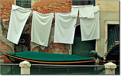 Vision... (rogilde - roberto la forgia) Tags: travel venice light italy canon hp barca italia laguna venezia colori luce canale italians bucato pannistesi
