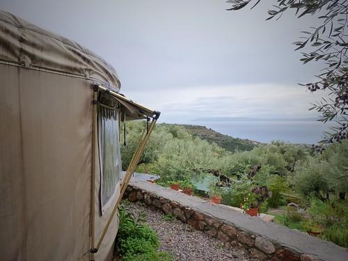 La yourte et son panorama, Megali Mantineia, Grèce