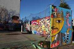 Yaam (bsdphoto) Tags: winter streetart berlin art deutschland graffiti kunst eingang urbanart tor reggae bume baum deu umzug besucher korb baketball yaam baropen jimavignon jugendclub passanten schwarzer farbiger spielfeld reggaeclub baketballkorb