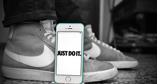 iPhone 5s White + Nike