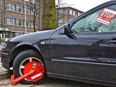Klik (Akbar Sim) Tags: auto streetart holland netherlands car sticker stickerart nederland denhaag stop thehague wheelclamp wielklem agga confiscation akbarsimonse akbarklik akbarsim inbeslagname belastingzaken