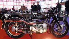 BMW R 68 de 1952. Motor bóxer de 600 cc y 35 CV de potencia a 7.000 rpm. Su producción fue de 1.452 unidades.