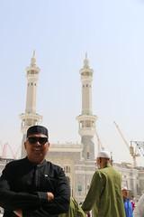 bapak (laviosa) Tags: family candid haram mecca umroh 2014 mekkah jabalrahmah masjidil masjidilharam jabaltsur arminareka pullmangrandzamzam