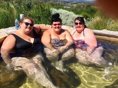Hot springs babes!! ❤️🐽🐳😍