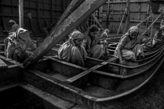 Street Photography (Aranaya_Roy) Tags: morning rural photo khulna asia southasia labour women ship blackandwhite