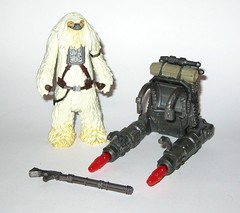 moroff from moroff vs scarif stormtrooper squad leader star wars rogue one 2 pack basic action figures 2016 hasbro b (tjparkside) Tags: moroff vs scarif stormtrooper squad leader star wars rogue one 2 pack basic action figures 2016 hasbro misb 1 r1 375 inch 5poa figure disney studio effects ap app blaster rifle weapon weapons gigoran mercenary heavy gun gunner guns sw two imperial military headquarters shoretrooper shoretroopers stormtroopers specialist beaches bunkers planetary facility dual projectile launcher