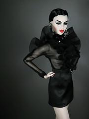 Haunting (Paris In BKK) Tags: fashionroyalty fr integrity toy doll fashiondoll ayumi opium fr2 vjhon dollportrait