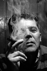 1948/2016 (sicca85) Tags: biancoenero blackwhite uomo fumo sigaro vecchiostile retr nofilter siccardimassimo massimosiccardi sicca 1948 68anni ritratto ritratti portrait canon persone monocromo interni