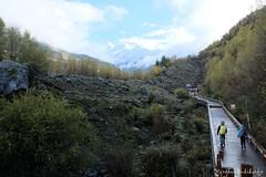 Start of Siguniang Trek (Vinchel) Tags: china sichuan siguniang trek outdoor mountain hiking fuji xt2 1655mm f28 landscape mountainside hill foothill people travel