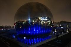 reflets sur la Gode du Parc de la Villette Paris 19e (sc.eric) Tags: geode parc villette nuit reflet