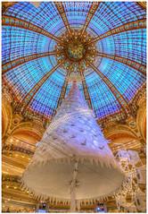 2016 Christmas decoration at Galeries Lafayette in Paris (erkarikalan) Tags: 2016 6d galerieslafayette nol2016 vitrinesdenol2016 canon christmas colourfull emmanuel emmanuelkarikalan emmanuelkarikalanphotography flickr hdr karikalan paris photography