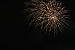 Feuerwerk Hochheimer Markt 2016 (OK's Pics) Tags: kameranikond810 de brennweite35mm200mm orte mainzkostheim blende80 zeit kamera wiesbaden hessen objektivafsnikkor70200mmf28gedvrii ereignisse feuerwerk techndaten deutschland brennweite zeit79 objektiv blende