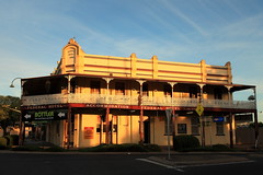 Federal Hotel, Wellington (Darren Schiller) Tags: wellington hotel pub architecture building beer community federal evening verandah sunset alcohol smalltown newsouthwales old