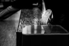 Footprint (Lasorigin) Tags: banc centreville magasin strasbourg street sujet urbanpicture bâtiment vitre glass bench wood bois shop shoes chaussures