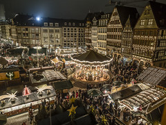 Frankfurter Rmer mit Weihnachtsmarkt (s2peeed) Tags: olympus omd em5 ii olympus1240mmf28 weihnachtsmarkt weihnachten winter cozy warm cold