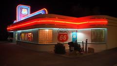 66 Diner Albuquerque (Phoebus58) Tags: usa newmexico nouveaumexique albuquerque route66 themotherroad 66 diner restaurant neon lumiere nuit night olympus