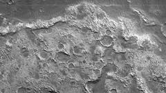 ESP_046407_1620 (UAHiRISE) Tags: mars nasa mro jpl universityofarizona uofa ua landscape geology science